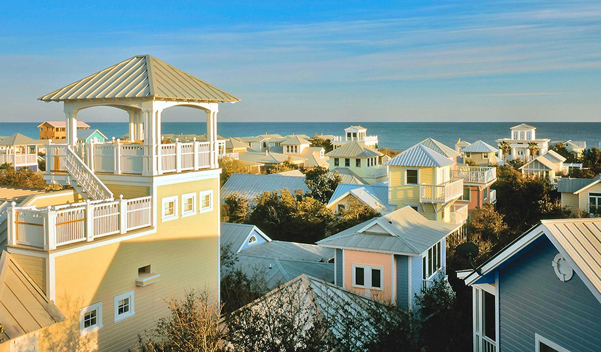 RS2968_Seaside-Roofscapes-n-Gulf-lpr-compressed